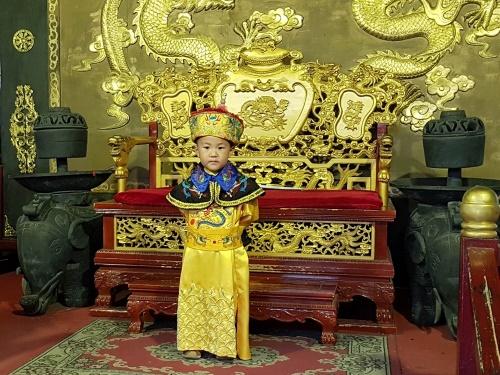 Kaiser Pu Yi in Tongli / China