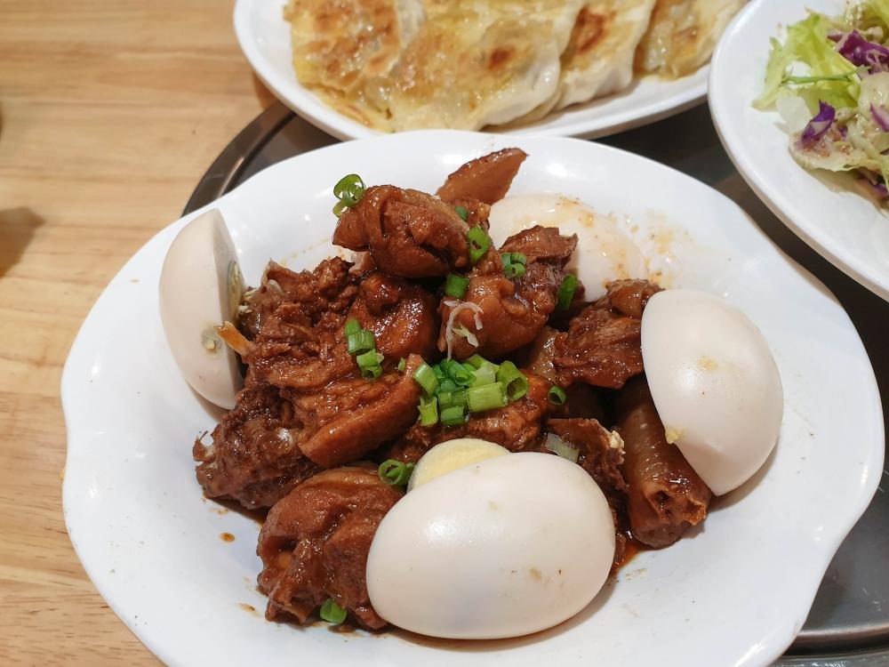 Essen in der Altstadt von Datong / China