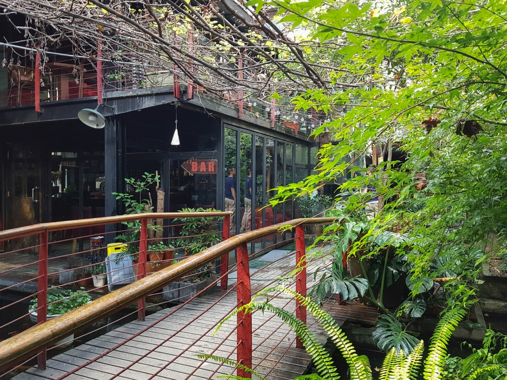 Mingtown E-Tour Youth Hostel in Shanghai / China