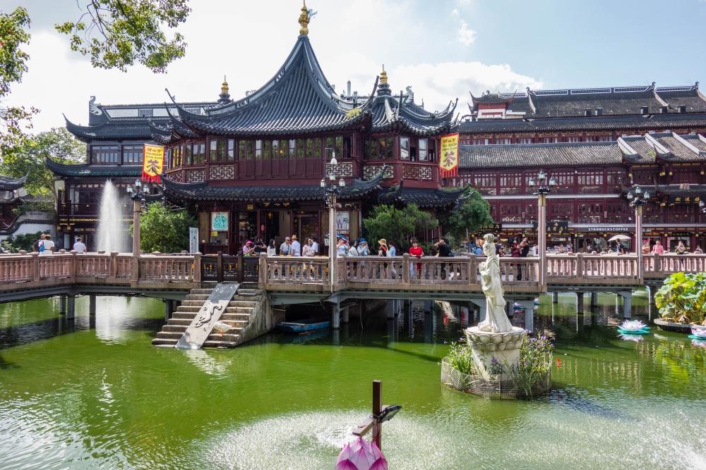 Huxinting Teahouse - Yu-Basar in Shanghai / China