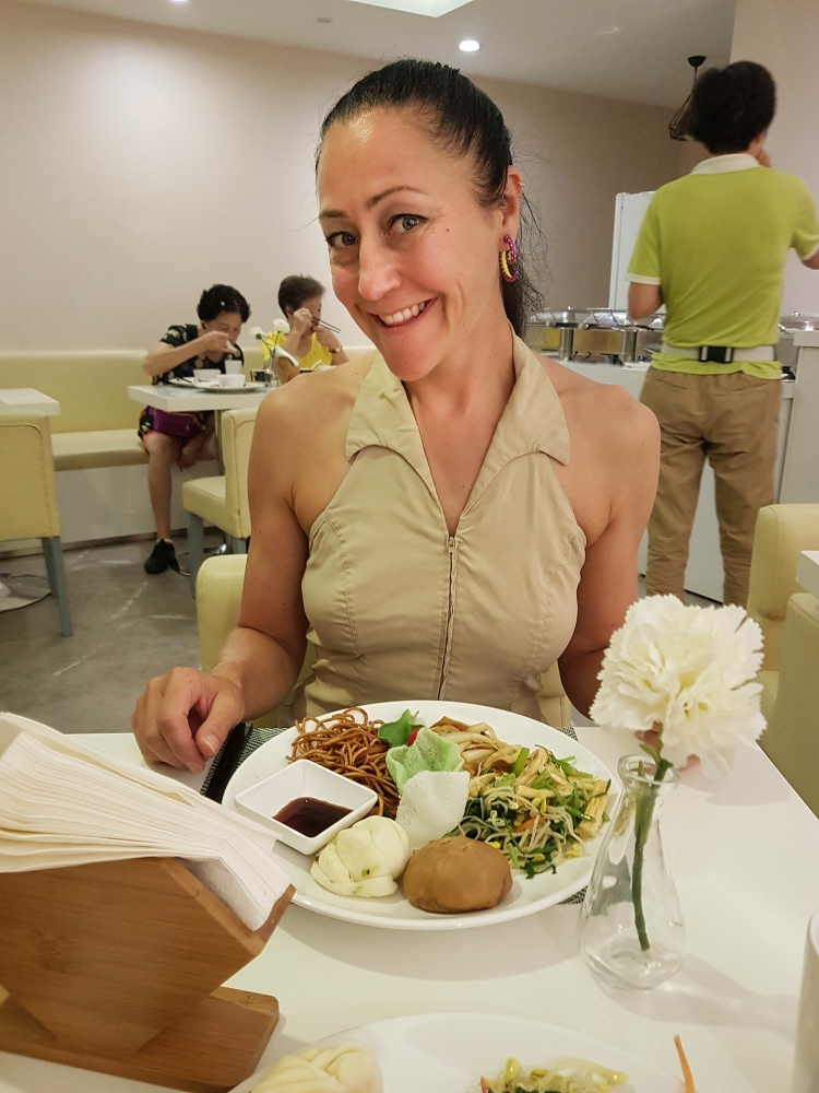 Frühstück im Zsmart-Hotel in Suzhou / Jiangsu / China