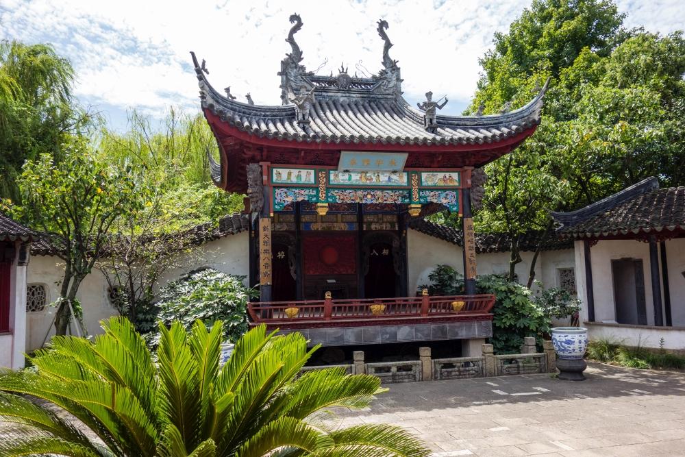 Opernbühne in der Perlenpagode in der Altstadt von Tongli / Jiangsu / China