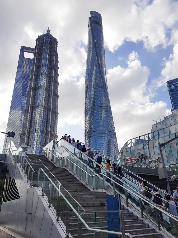 Wolkenkratzer in Pudong / Shanghai / China