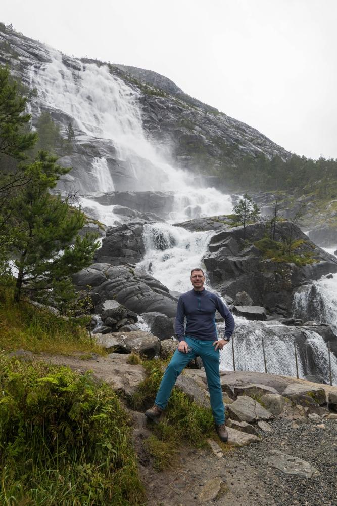 Langfoss am Åkrafjord in Norwegen