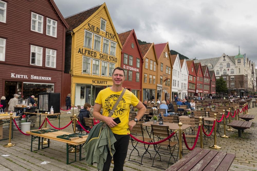 bunte Holzhäuser des Historischen Hanseviertels Bryggen in Bergen in Norwegen