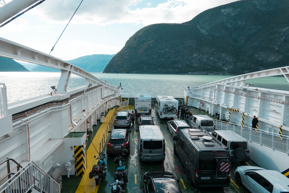 Fähre über den Sognefjord in Norwegen