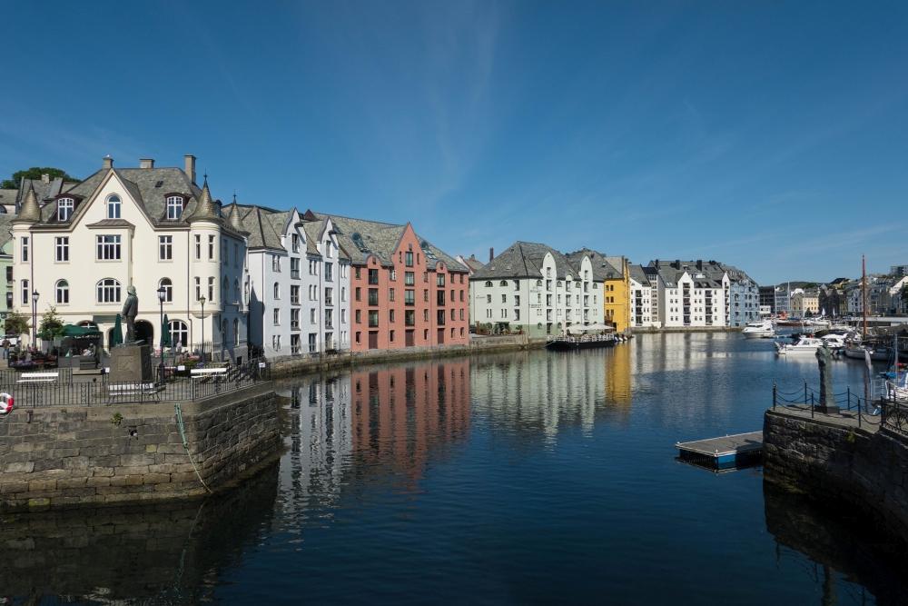 Jugendstilhäuser der Apothekergate in Ålesund in Norwegen