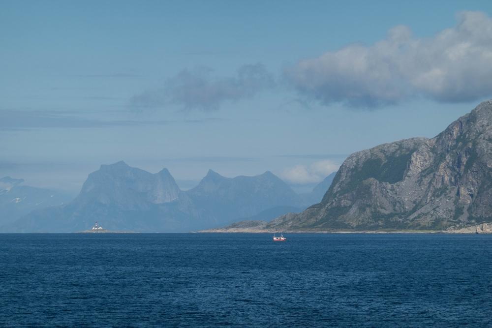 Fährüberfahrt von Bodø zu den Lofoten - in Norwegen