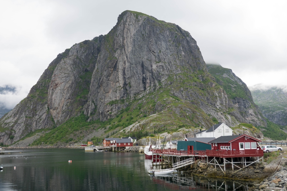 Fischerdorf Hamnøy auf den Lofoten in Norwegen
