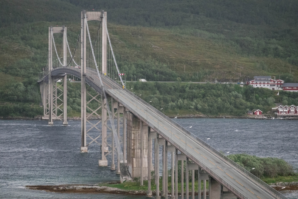 Tjeldsundbrua von den Lofoten nach Troms og Finnmarkin Norwegen
