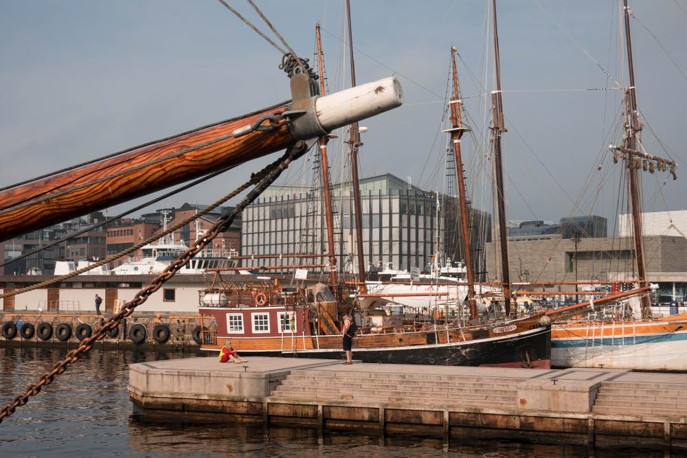 Hafen am Rådhusplassen an der Pipervika in Oslo in Norwegen