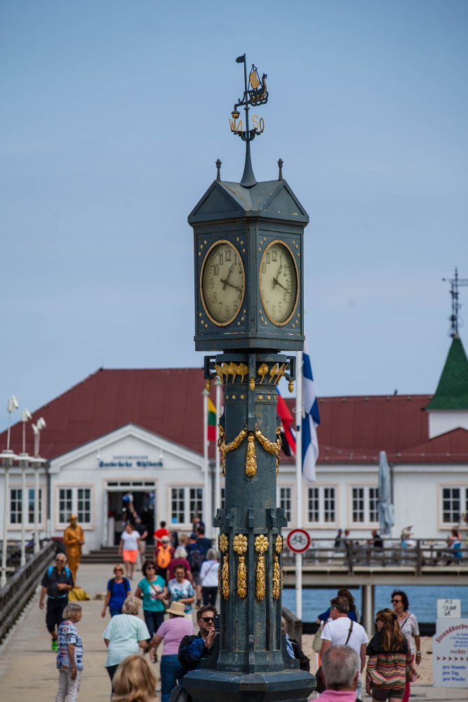 Historische Uhr in Ahlbeck / Insel Usedom