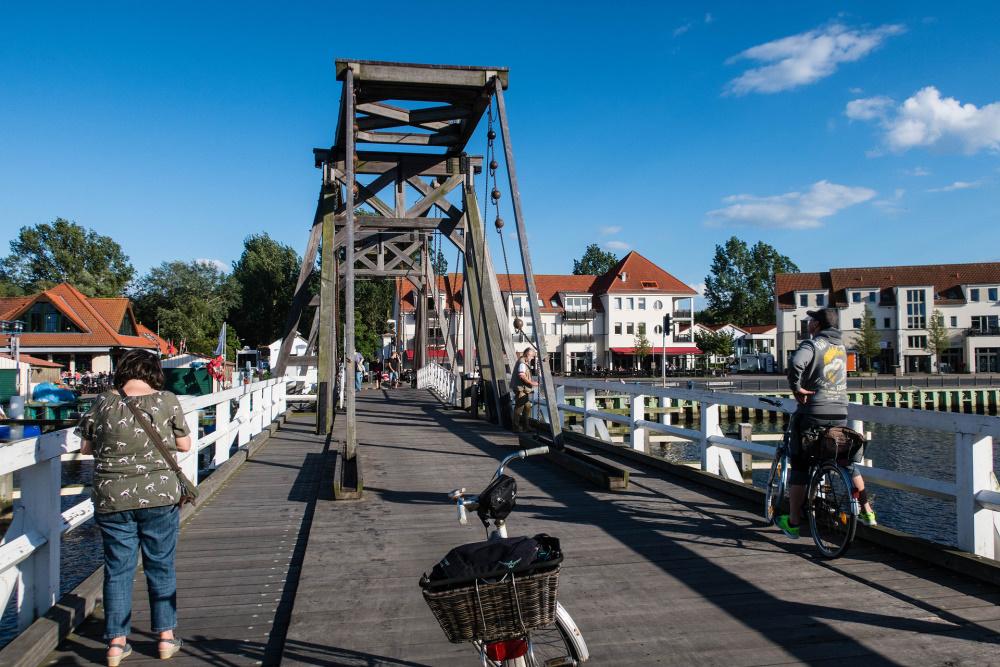 Holzklappbrücke in Wieck bei Greifswald