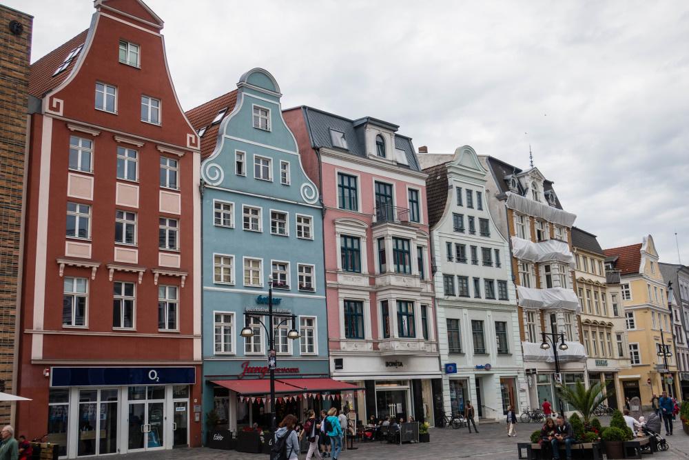 Giebelhäuser auf der Kröpeliner Straße in Rostock