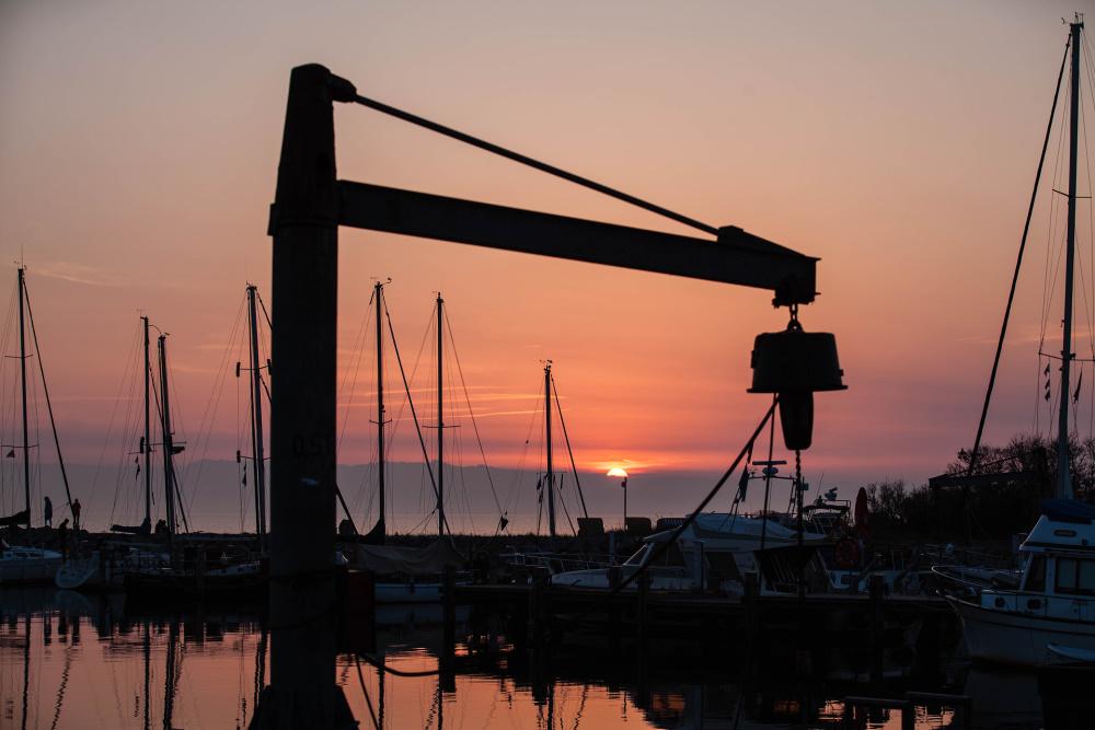 Sonnenuntergang im Hafen von Timmendorf auf Poel